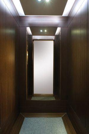 Θάλαμος Ανελκυστήρα - Ebony