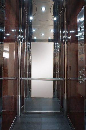 Θάλαμος Ανελκυστήρα - Space