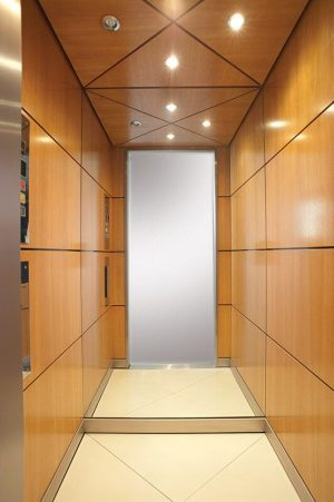 Θάλαμος Ανελκυστήρα - Wood